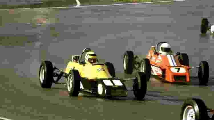 Senna já corria na Fórmula Ford quando foi chamado para lançar o XR3 no Brasil - Divulgação