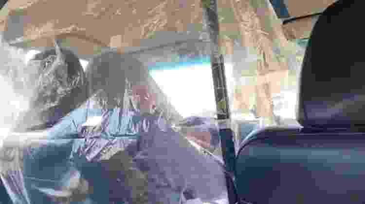 Motorista de Lyft com bolha improvisada nos EUA - Reprodução - Reprodução