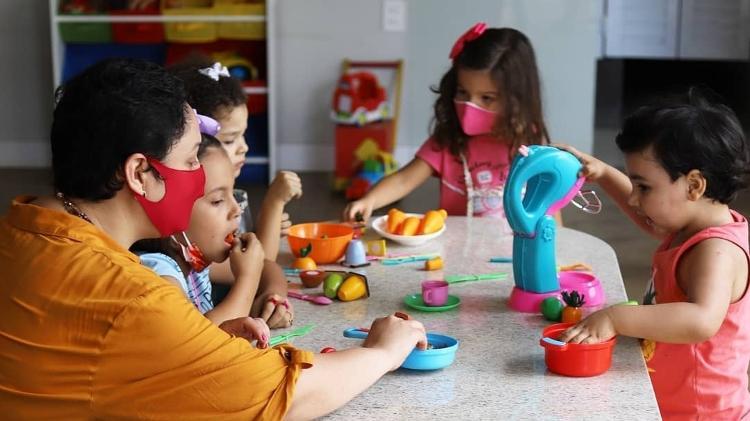 Aline incentiva pais a incluirem crianças no preparo da refeição - Reprodução Instagram - Reprodução Instagram