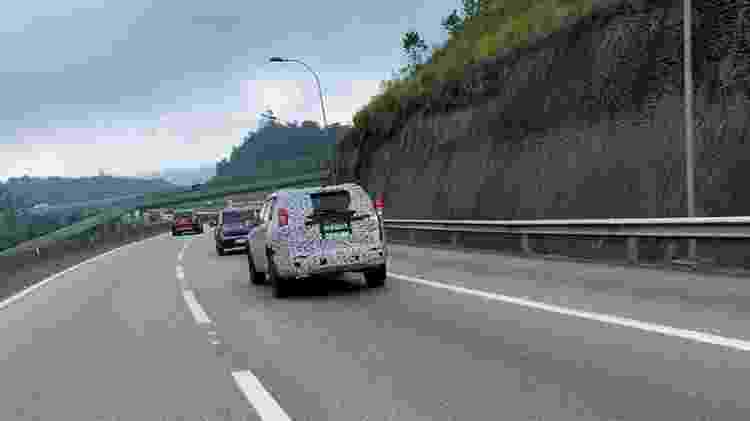 Flagra do SUV de sete lugares da Jeep - @abandonados - @abandonados