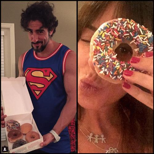 """15.jul.2015 - Marcos Mion, """"marombado"""" assumido, foi bem """"cruel"""" com sua mulher, Suzana Gullo, ao lhe dar uma caixa cheia de donuts"""