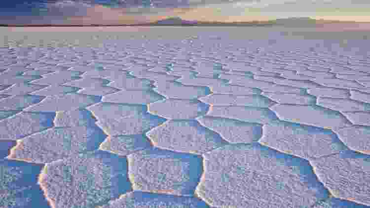 Na seca, o Salar do Uyuni adquire uma paisagem extraterrestre - Getty Images - Getty Images