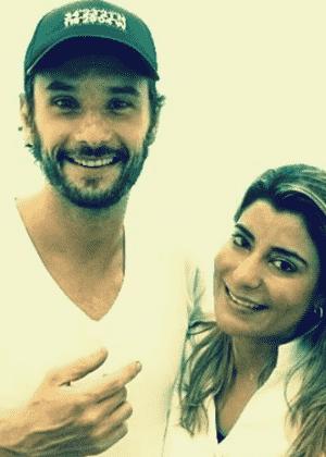 Rodrigo Santoro ao lado da cirurgiã dentista Jovana Crozara - Reprodução/Instagram/jocrozara