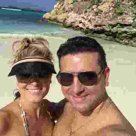 O apresentador e confeiteiro Buddy Valastro com a mulher Lisa durante férias  - Reprodução/Instagram/buddyvalastro