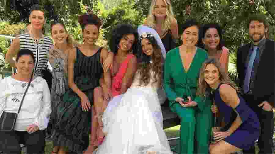 """Em """"A Força do Querer"""", elenco se reúne para gravar cenas do casamento de Ritinha e Ruy  - Reprodução/Instagram"""