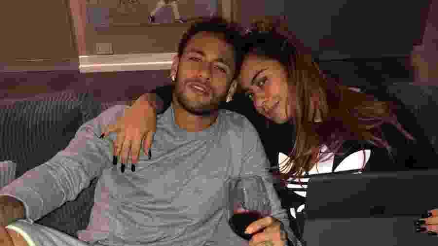 Nas redes sociais, Neymar e Rafaella não escondem o amor de um pelo outro - Reprodução/Instagram/neymarjr