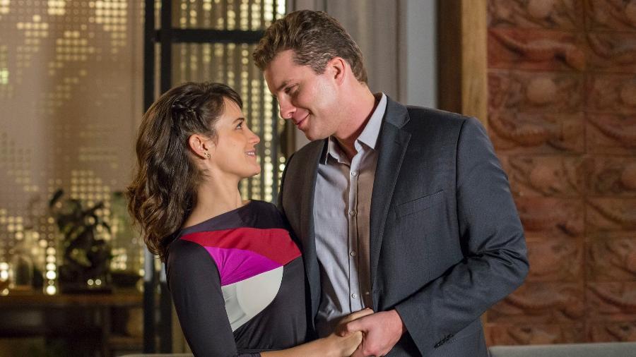 """Clara (Bianca Bin) e Patrick (Thiago Fragoso) em cena em """"O Outro Lado do Paraíso"""" - Marilia Cabral/Globo"""