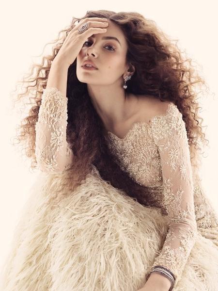 Camila Queiroz - Gil Inoue/Vogue Noiva