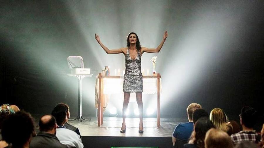 """Renata Carvalho vive Jesus na peça """"O Evangelho Segundo Jesus, Rainha do Céu"""" - Reprodução/ Facebook"""