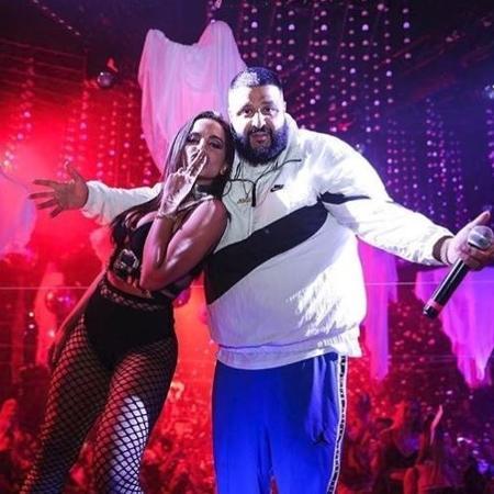 Anitta se apresenta com DJ Khaled em boate de Miami, nos Estados Unidos - Reprodução/Instagram/@anitta