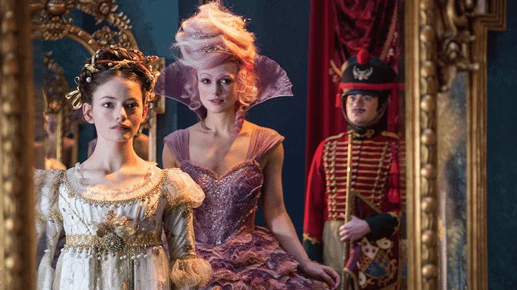 """Mackenzie Foy e Keira Knightley em cena de """"O Quebra-Nozes e os Quatro Reinos"""" - Reprodução - Reprodução"""