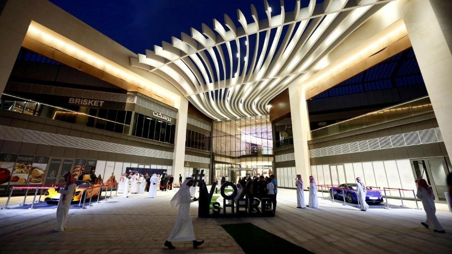 Imagem do shopping The Riyadh Park durante a abertura de sala de cinema em abril - Reuters