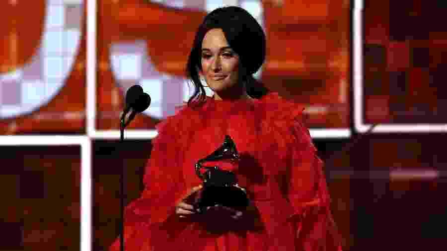 Kacey Musgraves recebe prêmio de álbum do ano no Grammy 2019 - AFP