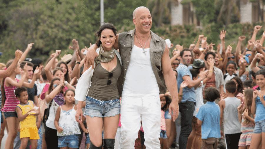 """Vin Diesel e Michelle Rodriguez em cena de """"Velozes & Furiosos 8"""" - Reprodução"""