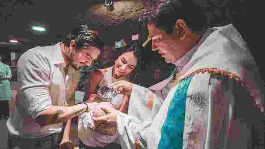 Luan Santana e Jade Magalhães batizam afilhada - Reprodução/Instagram