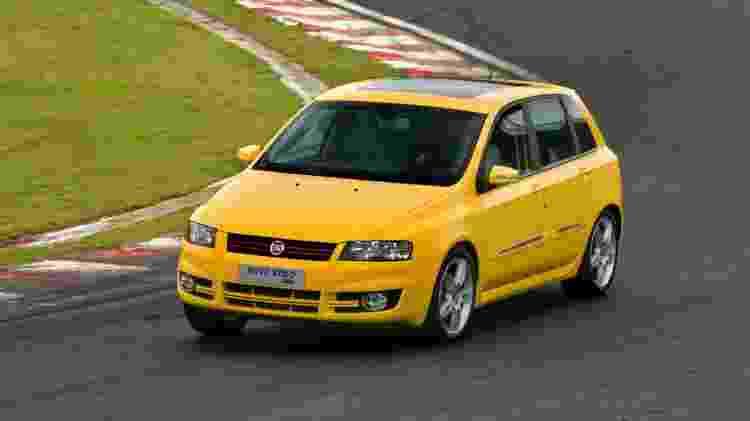 Stilo foi um dos carros automatizados mais famosos da Fiat - Divulgação