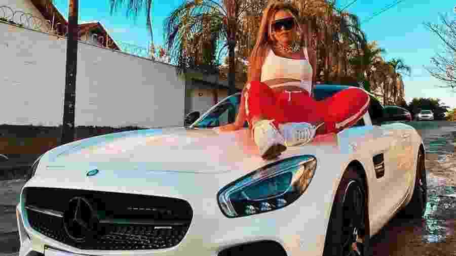 Camila Loures e sua Mercedes AMG GTS de R$ 600 mil - Reprodução/Instagram