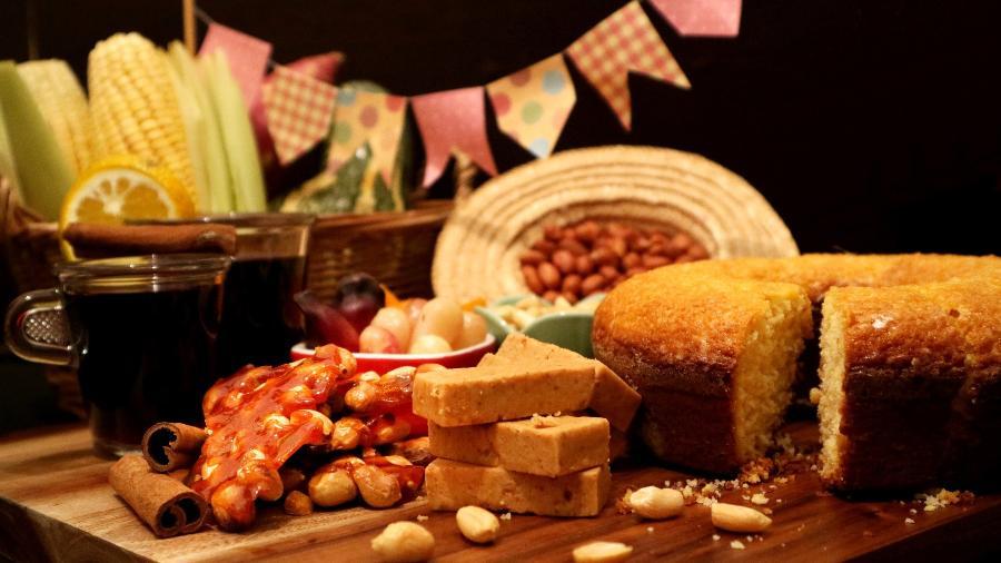 Mesa de Festa Junina: amendoim não pode faltar - Carla Nichiata/Getty Images/iStockphoto