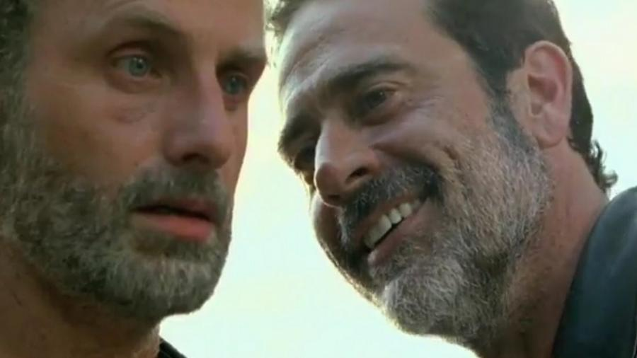 "Rick (Andrew Lincoln) e Negan (Jeffrey Dean Morgan) em ""The Walking Dead""  - Reproduçao/Fox"