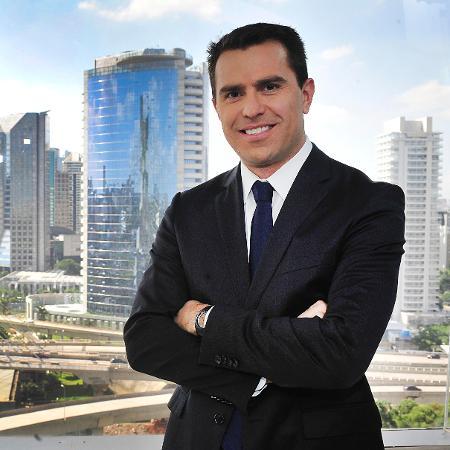 """Rodrigo Bocardi no estúdio do """"Bom Dia São Paulo"""" - Divulgação"""