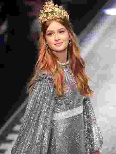 A atriz Marina Ruy Barbosa desfila para a grife Dolce & Gabbana em Milão - Getty Images - Getty Images