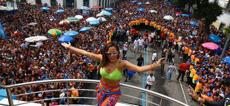 No Rio, Bloco das Poderosas reuniu 400 mil foliões em 2017 - Marcelo de Jesus / UOL