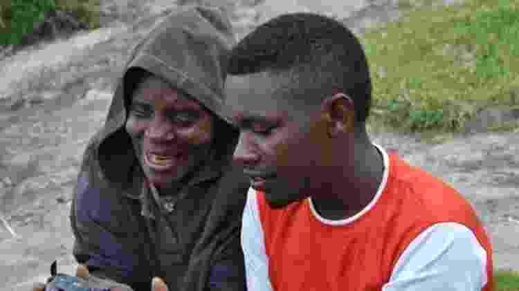 Neto de Kyitaragabirwe, Tyson trabalha como guia turístico na região - BBC - BBC