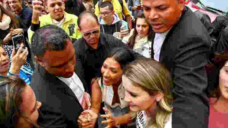 Simaria é cercada por fãs ao chegar em lançamento de coleção de loja - Manuela Scarpa e Marcos Ribas/Brazil News - Manuela Scarpa e Marcos Ribas/Brazil News