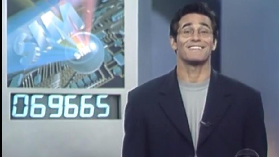 """Luciano Szafir apresentou o """"Você Decide"""" de 1998 até 2000"""