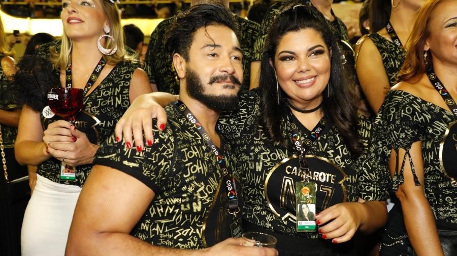 Fabiana Karla assiste aos desfiles na Sapucaí com o novo namorado, Diogo Mello, no camarote CarnaUOL RJ/N1 - Felipe Panfili/Camarote CarnaUOL RJ/N1