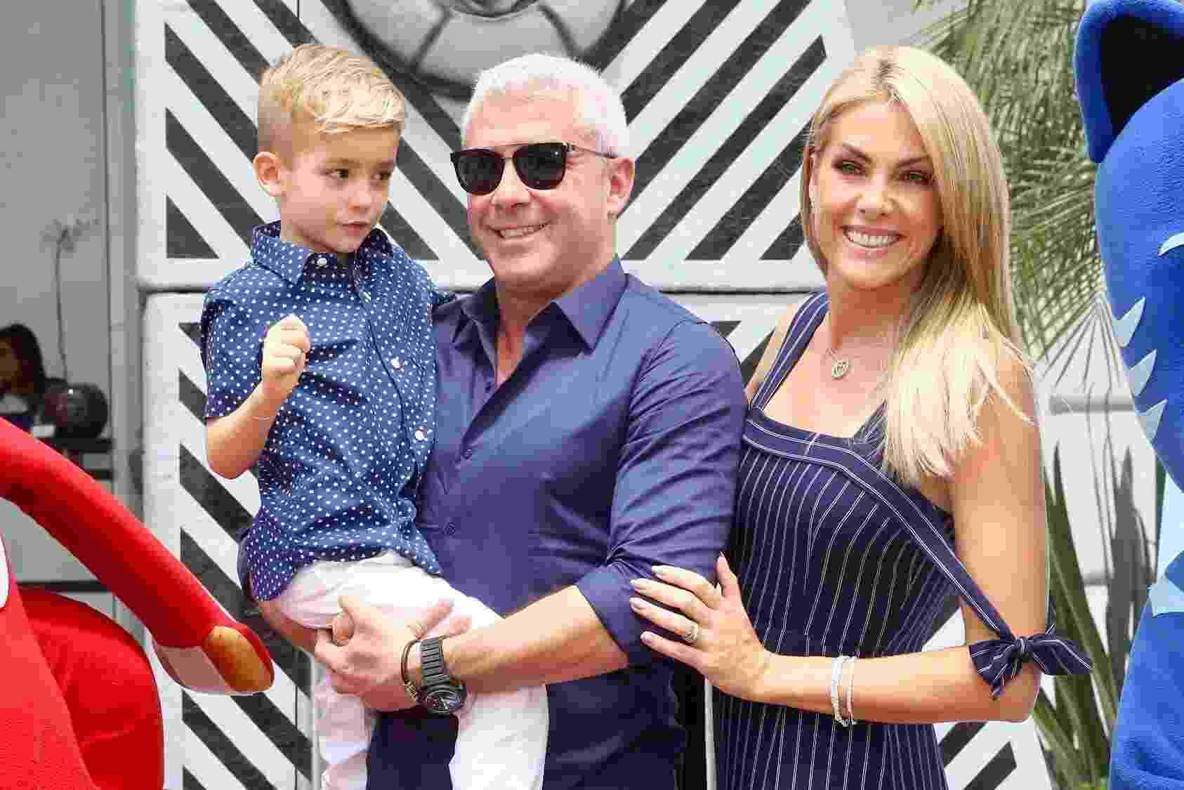 Ana Hickmann e o marido, Alexandre Corrêa, comemoraram o aniversário do filho em um buffet no bairro de Moema, São Paulo - Manuela Scarpa/Brazil News