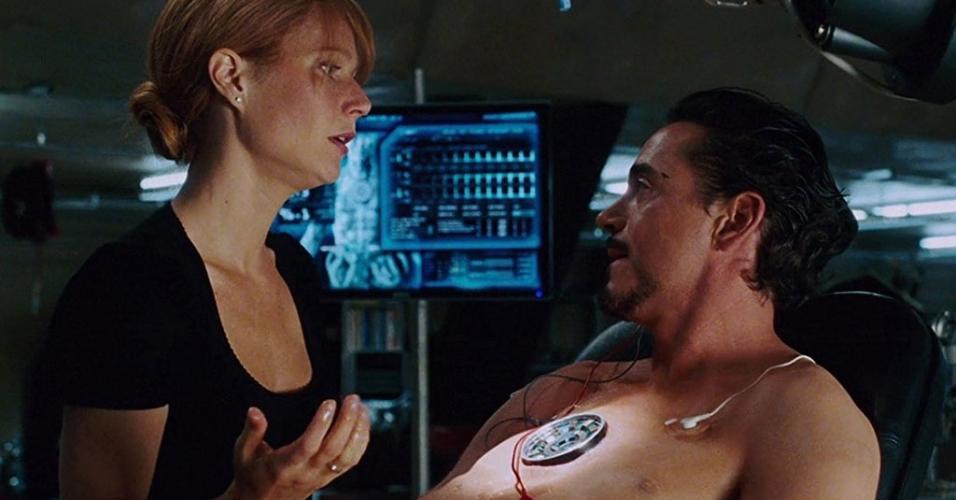 """Robert Downey Jr. e Gwyneth Paltrow em cena em """"Homem de Ferro"""" (2008)"""