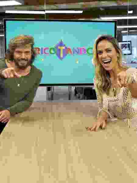 """Franklin e Ligia no estúdio do """"Tricotando"""", novo programa de fofocas da RedeTV! - Divulgação/RedeTV! - Divulgação/RedeTV!"""