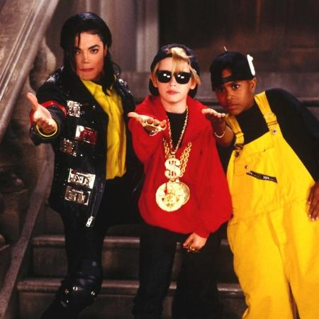 Macaulay Culkin e Michael Jackson - Reprodução/IMDB
