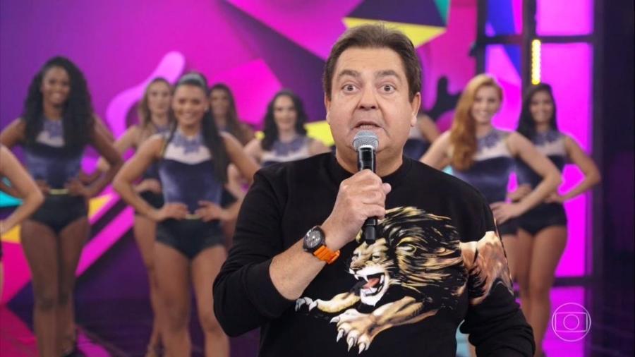 025422c277 Faustão usa camisa com leão estampado e é comparado a Gilberto Barros