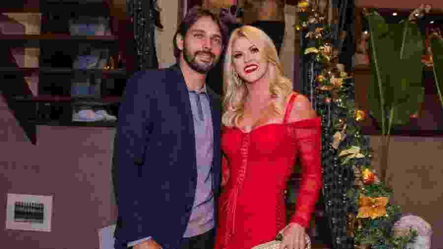 Val Marchiori aparece com o namorado, Thiago Castilho, em festa em SP - Thiago Duran/AgNews