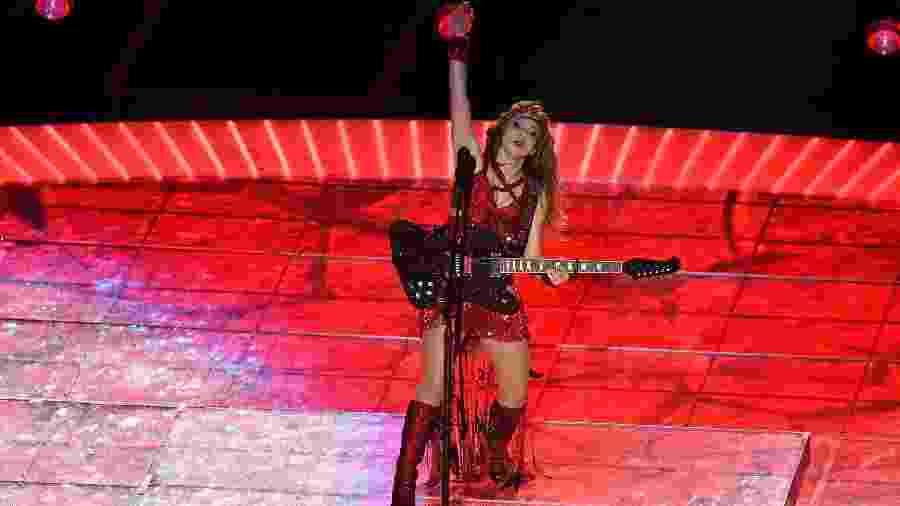 02.fev.2020 - Shakira durante apresentação no Super Bowl; botas custaram US$ 20 mil - Angela Weiss/AFP