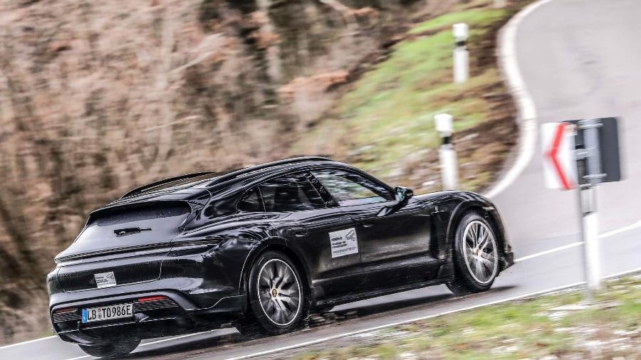 Porsche Taycan Cross Turismo - Divulgação