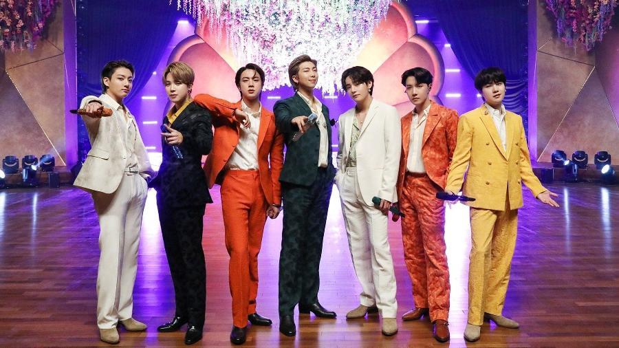 Os integrantes do BTS antes da performance no Grammy - Reprodução