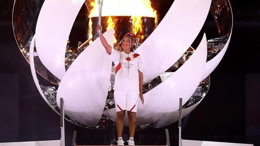 Naomi Osaka ascende a pira olímpica na abertura das Olimpíadas de Tóquio - Reprodução