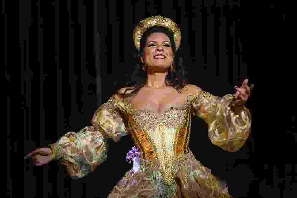 "Ópera ""Adriana Lecouvreur"", no Theatro São Pedro, em São Paulo - Heloisa Bortz"