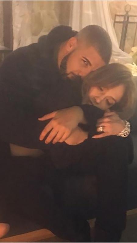 A cantora Jennifer Lopez com o rapper Drake - Reprodução/Instagram