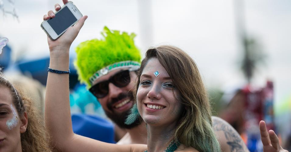 Foliões capricharam na maquiagem e fantasia no terceiro dia de Carnaval