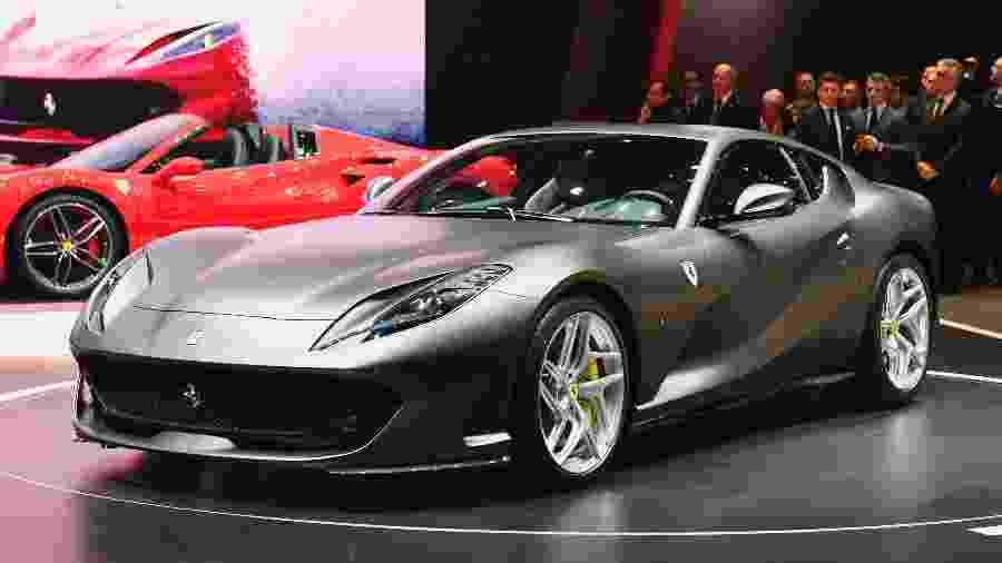 """Ferrari 812 Superfast é uma das """"moscas brancas"""" do mercado brasileiro; cupê custa mais de R$ 4 milhões - Alain Grosclaude/AFP"""