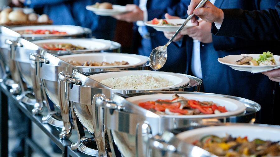 As empresas que oferecem vale-refeição aos empregados têm direito de abater essa despesa do Imposto de Renda no regime de lucro real. Por sugestão do governo, o relator da reforma tributária, Celso Sabino (PSDB-PA), propôs acabar com essa isenção - iStock