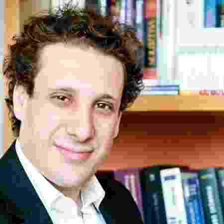 Samy Dana está na Globo News e na Globo - Reprodução