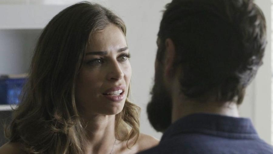 Lívia procura Renato e pede para ele voltar para casa - Reprodução/Globo