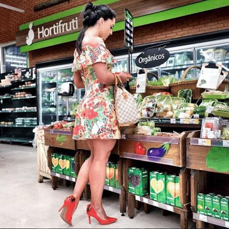 Graciele Lacerda no supermercado - Reprodução/Instagram/gracielelacerdaoficial