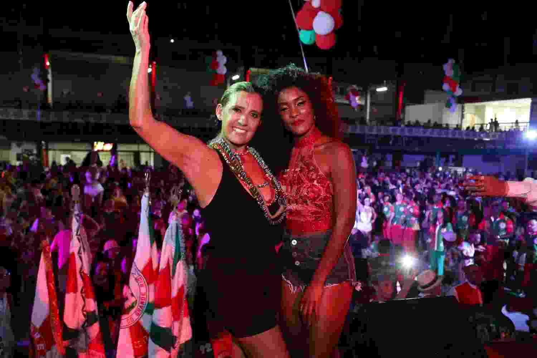 Rita Cadillac e Erika Januza se encontram em ensaio na quadra da Acadêmicos do Grande Rio - Roberto Filho/Brazil News