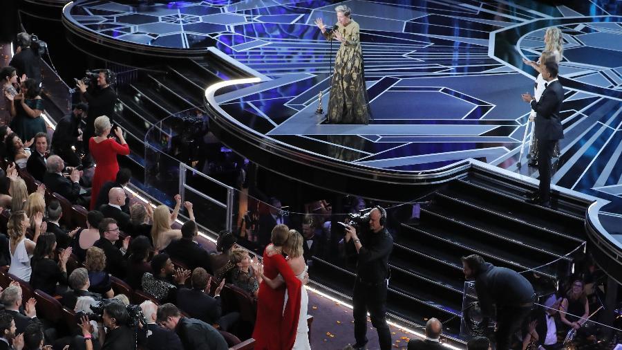 Ao receber o Oscar, Frances McDormand pede para que as mulheres que foram indicadas em 2018 se levantem - REUTERS/Lucas Jackson